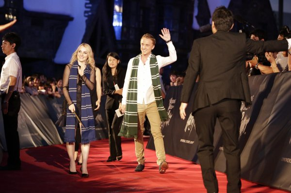 Tom Felton et Evanna Lynch à l'ouverture du Parc Harry Potter à Osaka (Japon)