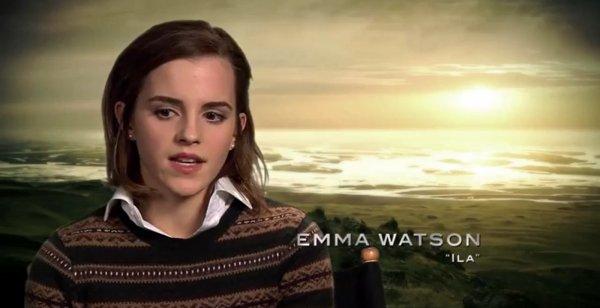 Emma Watson dans le centre de Londres aujourd'hui (30/07)