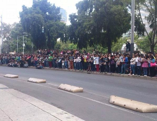 """Daniel Radcliffe au Mexique : Le tapis rouge du film """"What If"""" annulé à cause des fans !"""