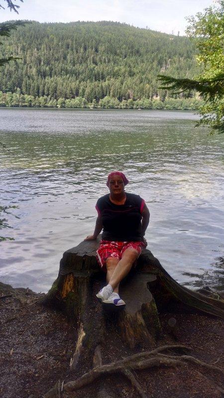 bonjour mais amies et amis nous sommes de retour moi et mon mari au lac de gerardmer