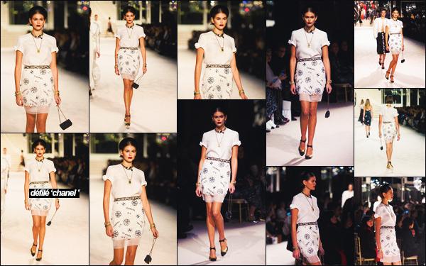 - 04/12/19   K.G défilait le pour la marque Chanel, collection Métiers d'Art à Paris, FR -