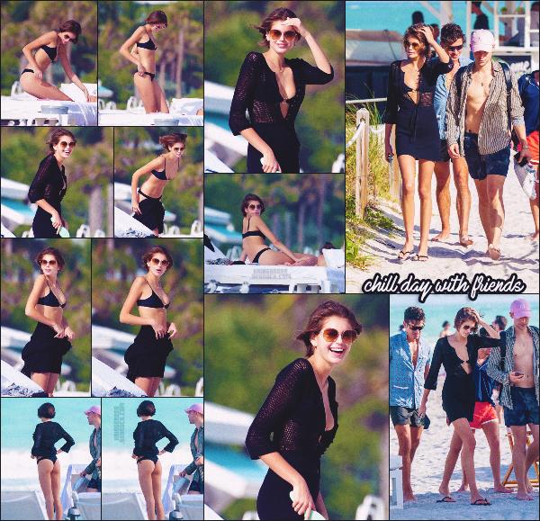 11/01/20 - Après-midi détente à la plage pour la jolie Kaia Gerber et ses amis, MIAMI BEACH !