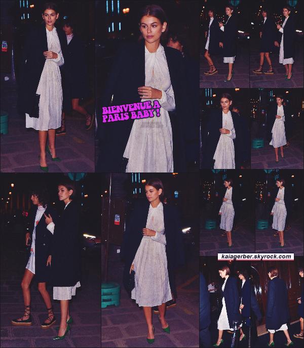 """19/01/20 -Miss Kaia Gerber a été photographiée arrivant à un dîner pour la marque """"PRADA"""", se trouvant à Paris ! Kaia G. est belle et bien arrivée sur le sol Français ! Je ne suis pas fan de la tenue personnellement - un TOP ou FLOP ? ••"""