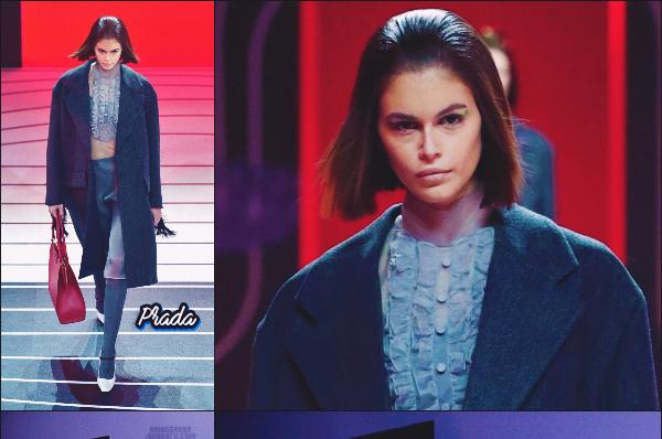 - Miss Kaia Gerber défilait pour la marque PRADA à la Fashion Week de Milan, Italie. -