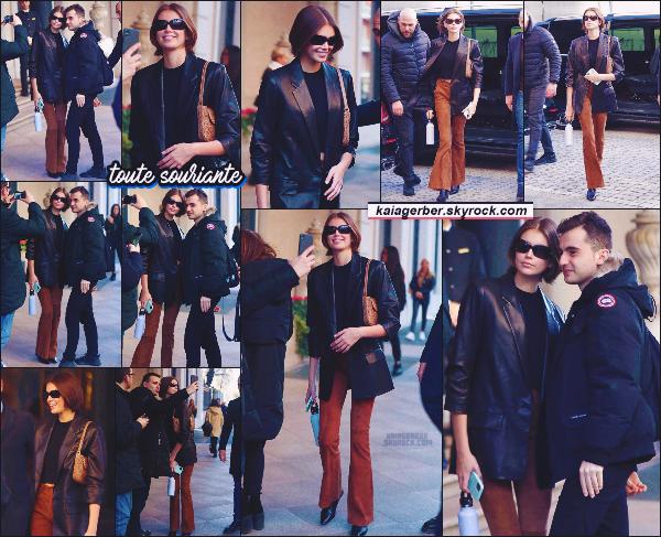 21/02/20 - Le mannequin Kaia Gerber a été aperçue sortant de son hôtel située à MILAN, Italie !