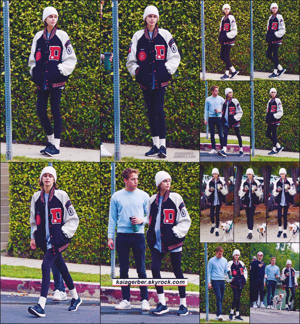 17/03/20 -La jolie Kaia Gerber a été photographiée par les paparazzis dans les hauteurs  de LOS ANGELES, CA  ! C'est dans la soirée que Kaia Gerber et son groupe d'amis ont été aperçus. //  Aucun avis sur la tenue qu'elle portait ••