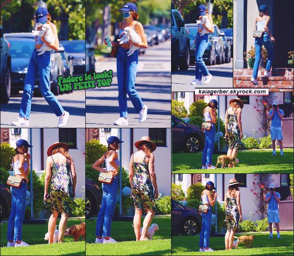 03/05/20 -Kaia Gerber et sa maman ont été photographiées emmenant un chiot à sa nouvelle famille, Los Angeles  ! Un chiot en plus placé dans une famille ! Cindy & Kaia sont bénévoles dans une association pour les chiots abandonnés ••