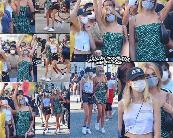 15/06/20 -Kaia G. a été vue avec Cara Delevingne manifestants pour la cause Black Lives Matter à Los Angeles  ! Les clichés ont fait le tour du web - les internautes trouvent que les mannequins étaient très proches... Futur couple? ••