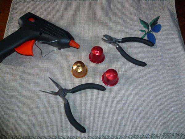 les outils pour fabriquer les bijoux capsules nespresso blog de caps604. Black Bedroom Furniture Sets. Home Design Ideas