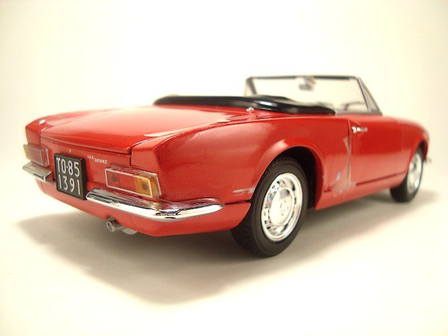 1/24  fiat 124 sport spider 1967