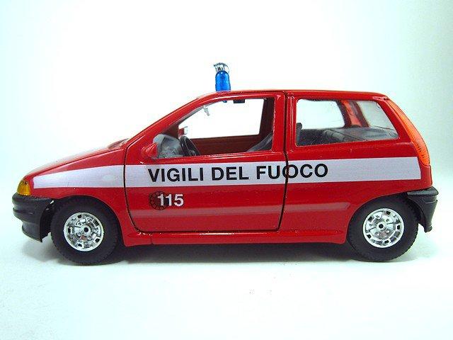 1/24  fiat punto  1996 vigili del fuoco