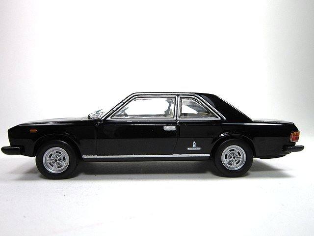 1/43 fiat 130 coupé 1971