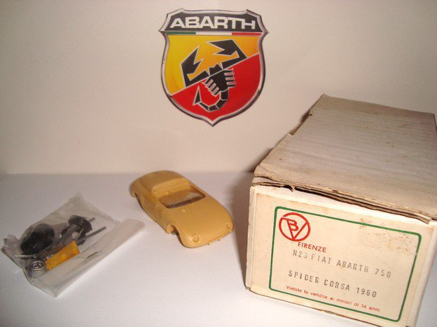 1/43 abarth 750 spider corsa 1960