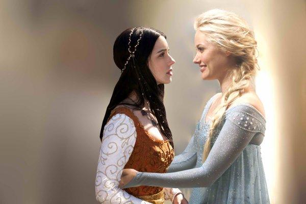 Montages - Elsa & Amy