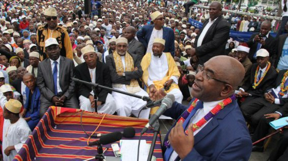 """Comores: l'ex-putschiste Assoumani vainqueur de la présidentielle après un """"troisième tour"""""""
