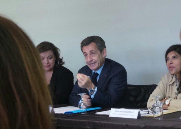 """Nicolas Sarkozy: """"La France doit financer la stabilité des Comores"""""""