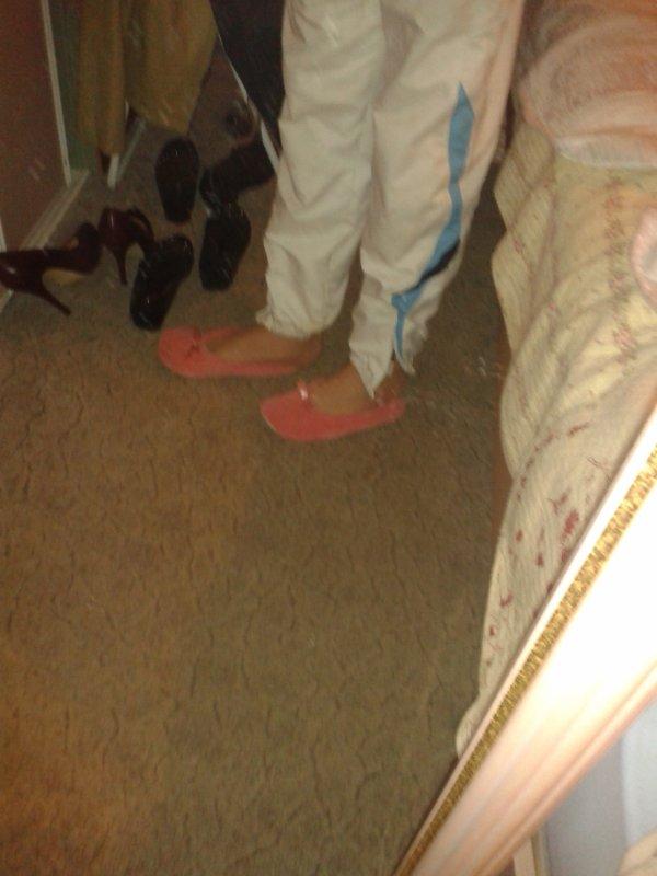 mes pied avec les chausson de ma petite copine