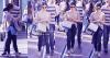 Candid 21/11/2015 . Lucy a été eperçue faisant du shopping au << The Grove>>, à Los Angeles en compagnie de son petit ami Anthony et un ami.