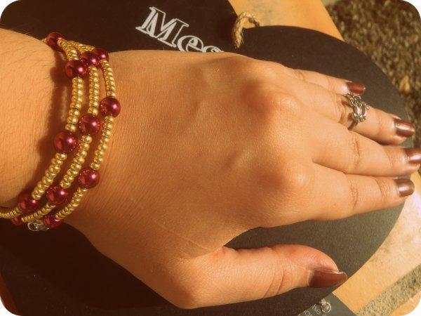 ~ Bracelet perles de rocaille et perles nacrées <3
