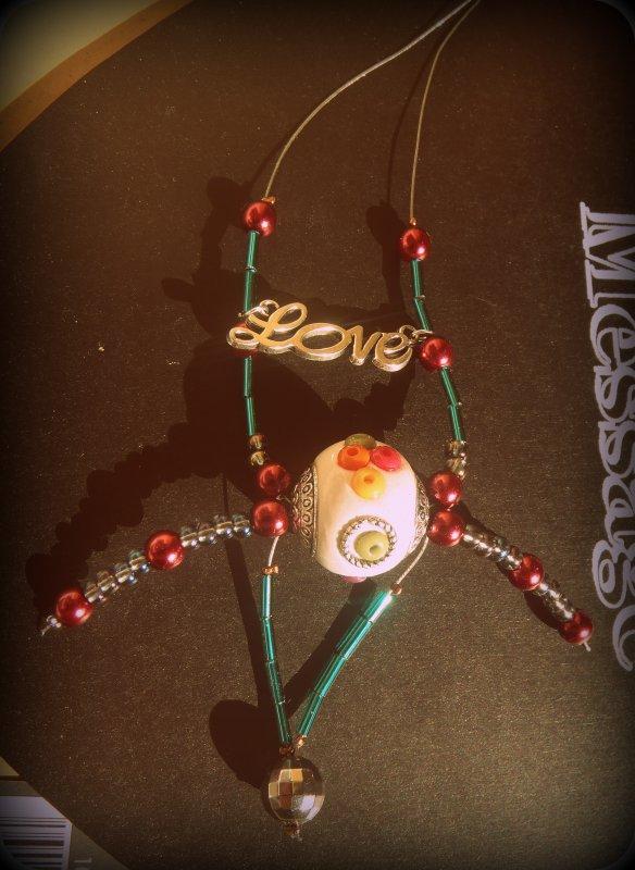 """~ Collier breloque """"Love"""" et perles <3"""