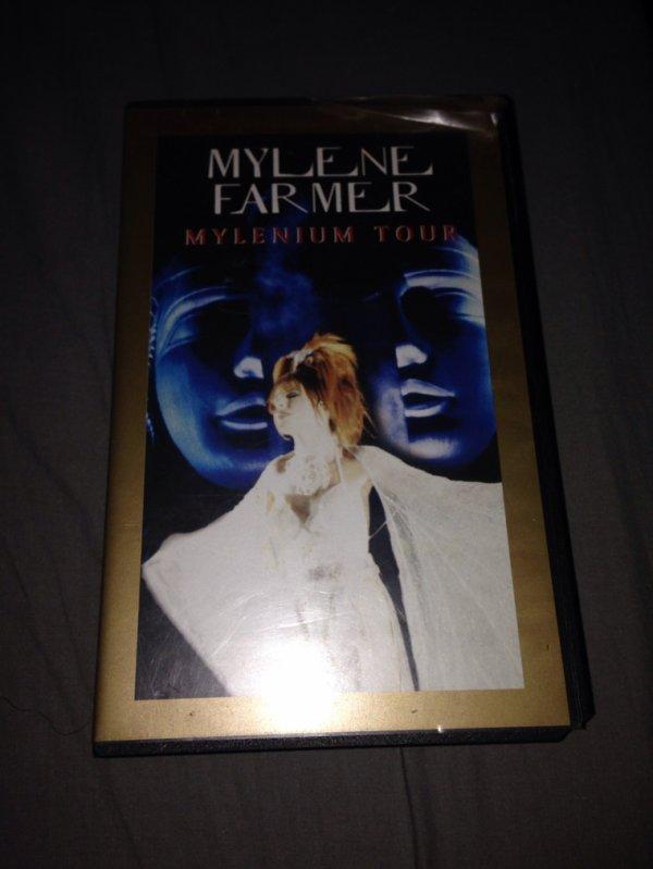 """VHS """" Mylènium Tour """""""