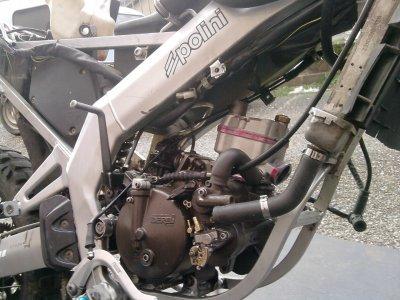 Le moteur dans le cadre =)