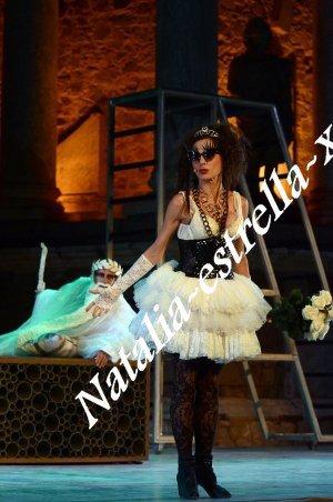 Natalia en Anfitrion