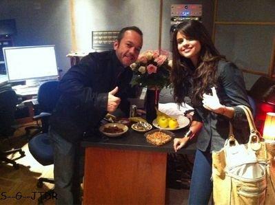 18/01: Selena en studio pour enregister un album totalement en espagnol. Cool non ?