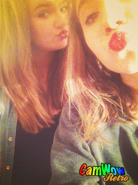 Hello notre rouge à lèvre rouge peta'ss ♥
