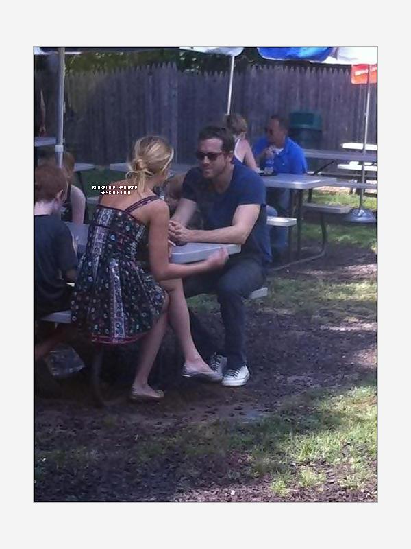 . 01 juillet 2012 - Une photo posté sur twitter où Blake est au côté de Ryan dans un lieu inconnu .