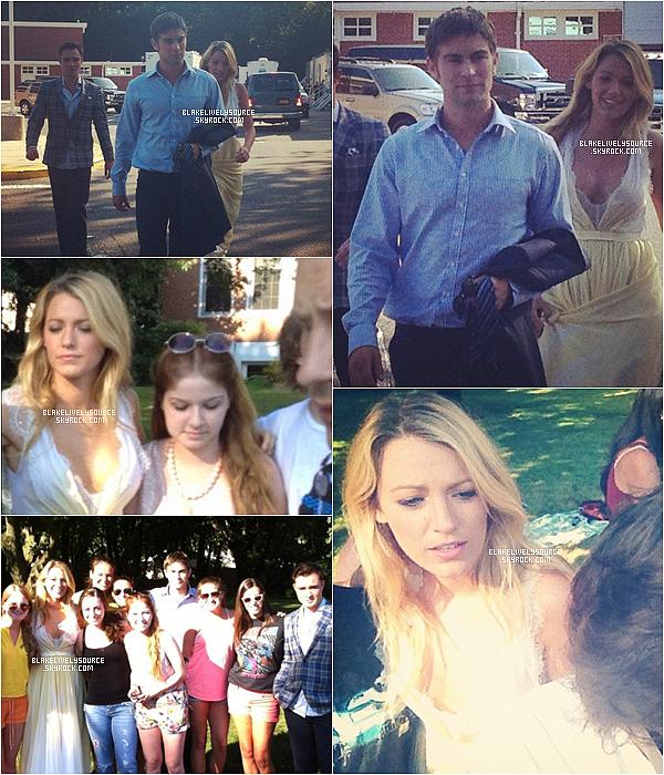. 09 juillet 2012 - Blake Lively était sur le set de Gossip Girl avec ses co-stars Chace Crawford et Ed Westwick .