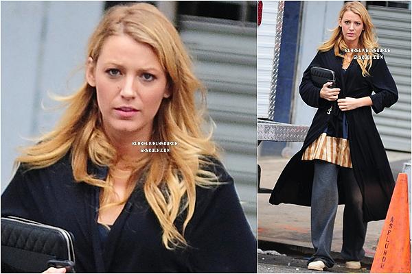 . 01août2012 - Blake Lively sur le set de Gossip Girl pour le tournage du 3e épisodes de la dernière saison .