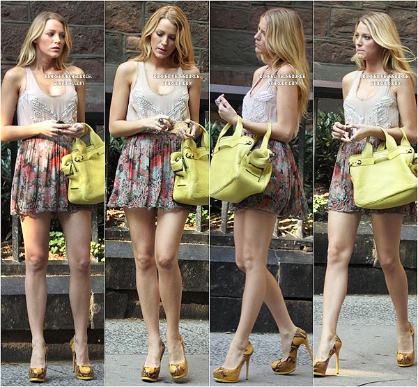 . 02août 2012 - Blake Lively était sur le set de Gossip Girl avec ses co-stars Sofia Black D'Elia et  Leighton Meester .