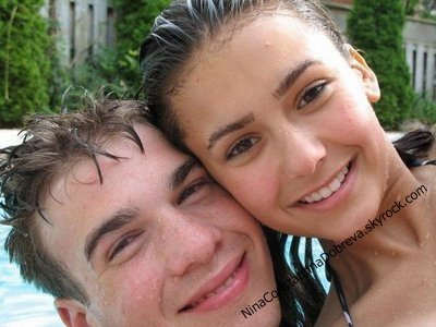 Nina Dobrev et ses relations amoureuses !