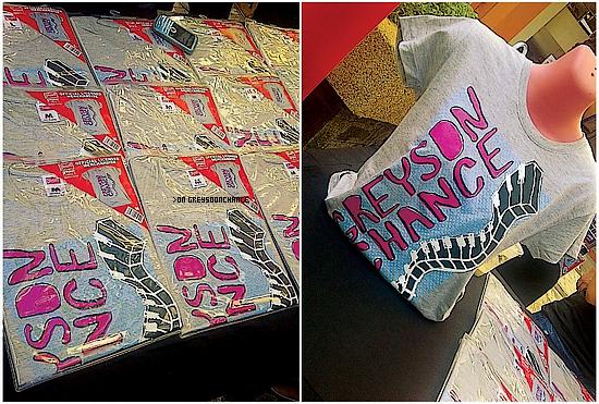 19/11/2011 | Greyson et ses nouveaux T-SHIRT ! Tu les aimes bien ?!