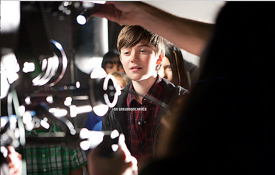??/11/2011| Photo des coulisses du clip de Greyson !