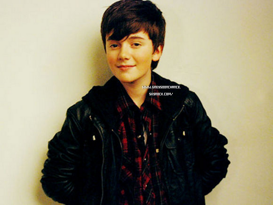08/12/2011| Nouvelle photo de Greyson Chance  tu le trouve comment ?
