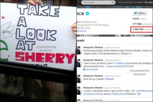 - 24/04/2012 : Une photoTwitter de fan prise par Greyson , et il aura bientôt 2 000 000 followers. -