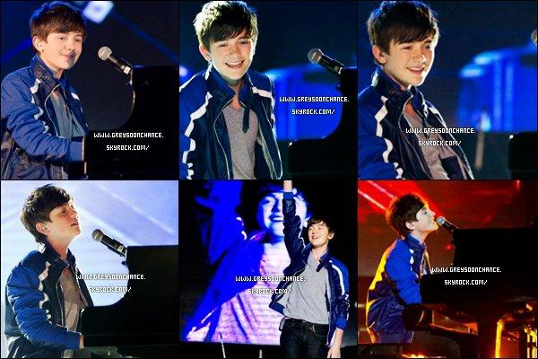 - 25/04/2012 : Greyson Chance a signé des autographes a ses fans Taiwan et a fait un concert le soir. -