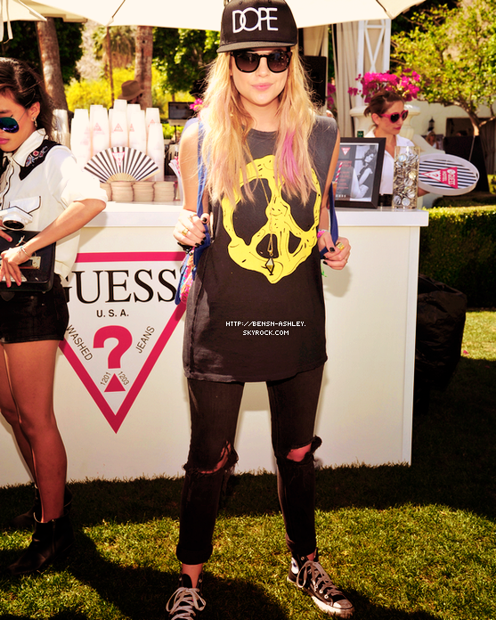 14/04 : Ashley a été vu le 14 avril dernier à l'évènement GUESS Hotel Pool Party lors du Festival Coachella