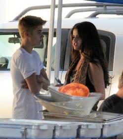 Justin Bieber et Selena Gomez séparés ? L'étrange comportement du chanteur