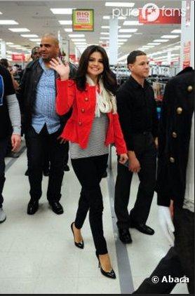 SELENA GOMEZ : GROS SMILE AVEC SES FANS MALGRÉ LA RUPTURE