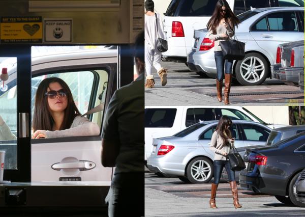 3 décembre 2012 : Selena quitte un studio et se rend ensuite au Jack in the bow, à San Diego