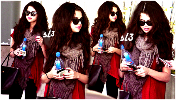 Selena arrive a LAX 8/02/2013+neo Addidas+retour a los Angeles
