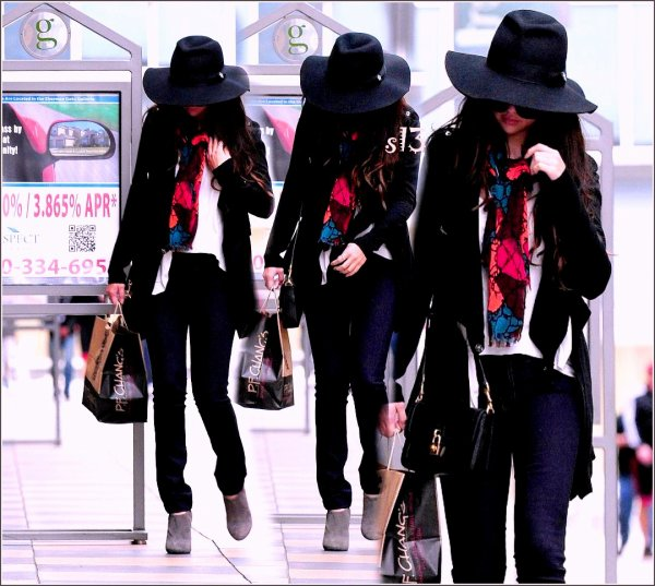 Selena et ses amis vont à un studio de danse à North Hollywood 08.03.2013