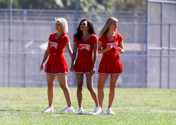 "Dianna, Naya & Heather on the ""Glee"" set  - part 2"