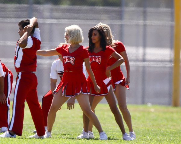 """Naya, Dianna, and Heather filming """"Problem"""" for Glee - part 1"""