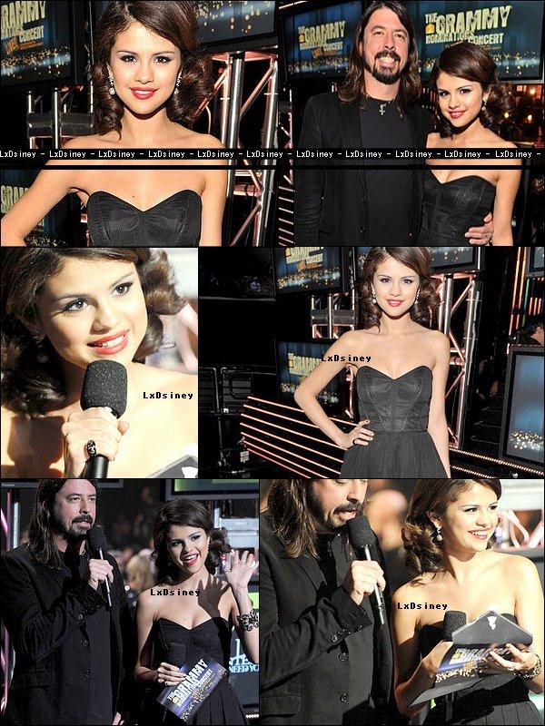Mercredi 1er Décembre : Selena était présente au « GRAMMY Nominations Concert Live » à Los Angeles.