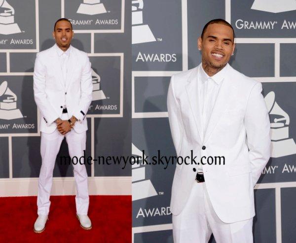 Christ Brown tout en blanc notre beau-gosse à choisi l'habilleur de luxe LANVIN j'adore  (votre avis)
