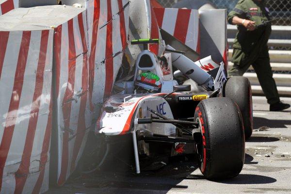 Gros crash pour Sergio Pérez